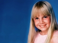 Heather O'Rourke (December 27, 1975 – February 1, 1988) - celebrities-who-died-young wallpaper
