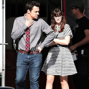 Jake Johnson and Zooey Deschanel 2016 New Girl বাংট্যান বয়েজ