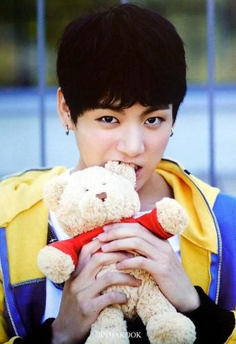 Jungkook (BTS) karatasi la kupamba ukuta entitled Jeon Jungkook ♥ BTS
