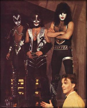 किस ~Valencia, California…May 19, 1978 (KISS Meets the Phantom of the Park -Magic Mountain Amusem