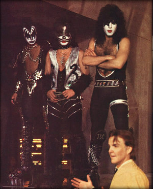 baciare ~Valencia, California…May 19, 1978 (KISS Meets the Phantom of the Park -Magic Mountain Amusem