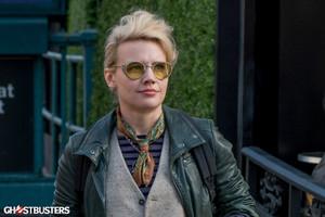 Kate McKinnon as Jillian Holtzmann in Ghostbusters (2016)