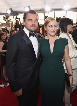 Kate Winslet and Leonardo DiCaprio SAG Awards 2016 10