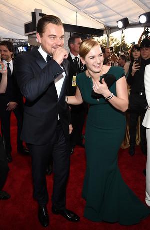 Kate Winslet and Leonardo DiCaprio SAG Awards 2016