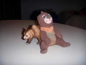 Koda e il grizzly.JPG