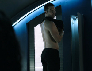 Luke MacFarlane in 'Killjoys' Series Premiere