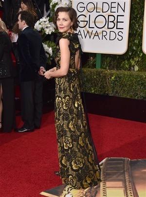 Maggie Gyllenhaal Golden Globes 2016