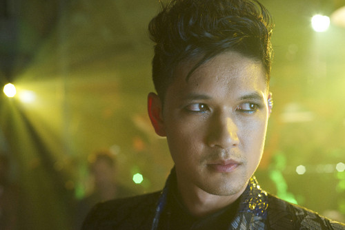 Shadowhunters TV ipakita wolpeyper possibly containing a portrait titled Magnus Bane