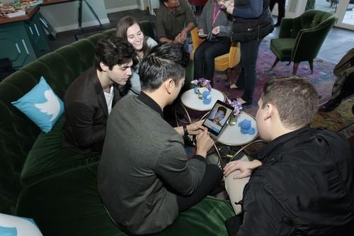 Alec & Magnus fondo de pantalla called Matt and Harry at the Freeform Launch Event