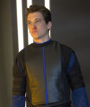 Miles Teller as Peter Hayes in Insurgent