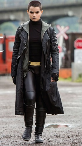 Deadpool (2016) fond d'écran probably with a business suit and a hip boot entitled Negasonic Teenage Warhead - Total Film Magazine