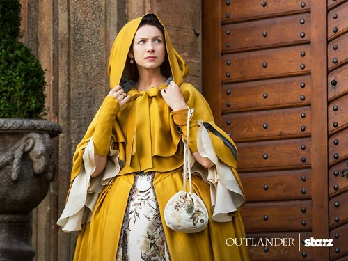 outlander série de televisão 2014 wallpaper possibly containing a kirtle and a polonesa, polonês, polonaise entitled Outlander Season 2 First Look