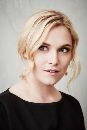 The 100 Cast TCA Portraits