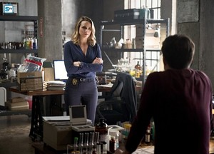 The Flash - Episode 2.11 - The Reverse-Flash Returns - Promo Pics