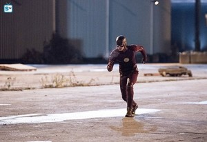 The Flash - Episode 2.12 - Fast Lane - Promo Pics