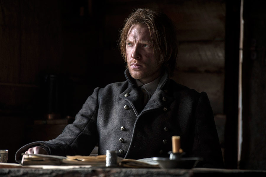 http://images6.fanpop.com/image/photos/39200000/The-Revenant-Domhnall-Gleeson-as-Captain-Andrew-Henry-the-revenant-39221819-900-599.jpg
