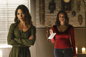 """The Vampire Diaries """"Postcards from the Edge"""" (7x12) promotional picture"""