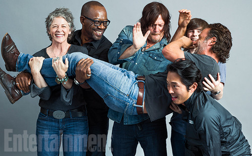 Walking Dead fond d'écran containing long trousers entitled The Walking Dead's Original 6 Survivors picture