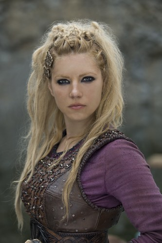 Vikings (TV Series) karatasi la kupamba ukuta probably containing a kirtle titled Vikings Lagertha Season 4 Official Picture