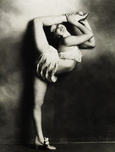 Contortion fondo de pantalla possibly with hosiery, bare legs, and a hip boot titled Vintage contortion