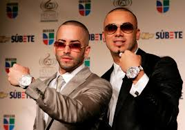 Wisin y Yandel 바탕화면 with a business suit titled Wisin y Yandel