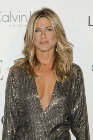 jennifer aniston 2011 elle women in hollywood tribute 08