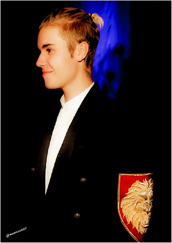 Джастин Бибер Обои containing a business suit called justin bieber 2016