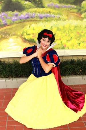 snow white disneyland