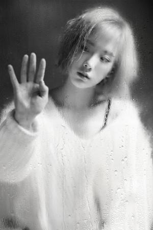 snsd taeyeon rain teaser picture 2