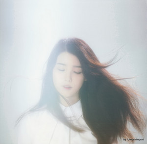 [SCANS] IU Japon Pre-Debut Album par IUmushimushi