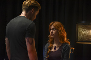 'Shadowhunters' 1x04 Raising Hell (stills)