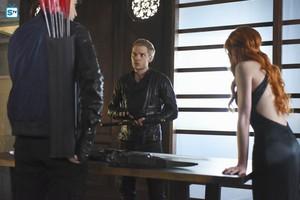 'Shadowhunters' 1x13 Morning звезда (stills)