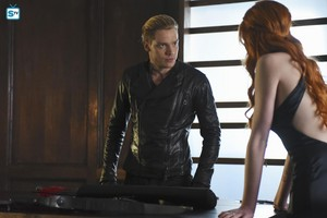 'Shadowhunters' 1x13 Morning 별, 스타 (stills)