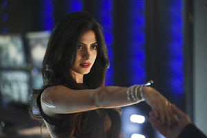 'Shadowhunters' (Season 1): '1x02 The Descent Into Hell Is Easy' stills