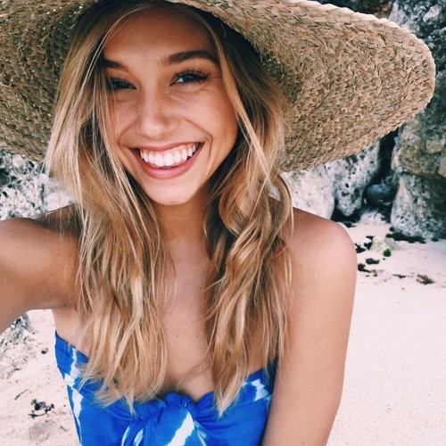 Alexis Ren wallpaper possibly containing a sombrero, a boater, and a fedora titled Alexis Ren