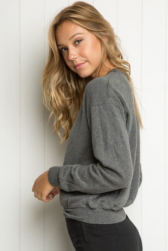 Alexis Ren wallpaper probably containing a pullover, an outerwear, and a well dressed person called Alexis Ren