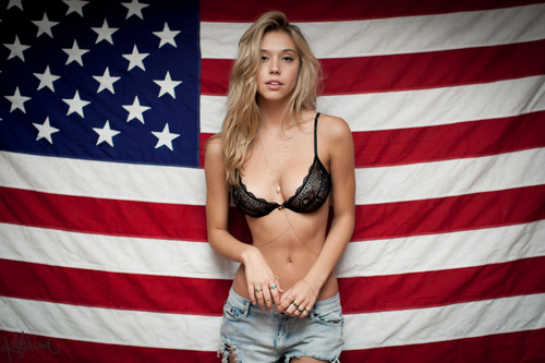Alexis Ren wallpaper titled Alexis Ren