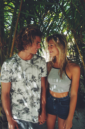 Alexis Ren and jay Alvarrez