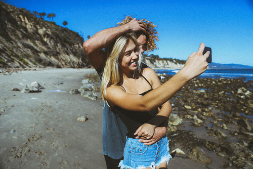 Alexis Ren hình nền containing a boater and a fedora entitled Alexis Ren and chim giẻ cùi, jay Alvarrez