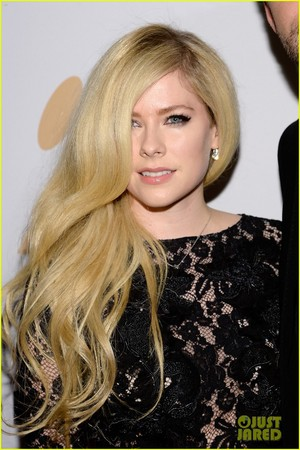 Avril Lavigne - Grammy's - 2016