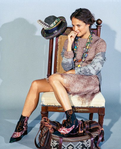 Alicia Vikander দেওয়ালপত্র called DuJour 2015 photoshoot