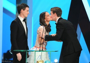 EE British Academy Film Awards 2014 - दिखाना