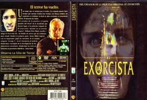 El Exorcista Caratula observa la silla de terror
