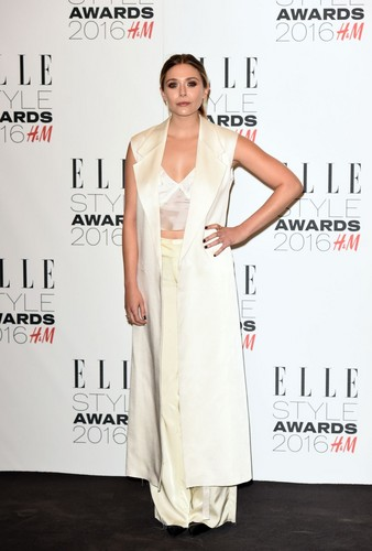 Elizabeth Olsen দেওয়ালপত্র probably with a ডিনার dress, a gown, and a ককটেল dress entitled Elizabeth Olsen