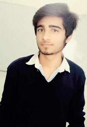ईमो boy Kashif Balouch