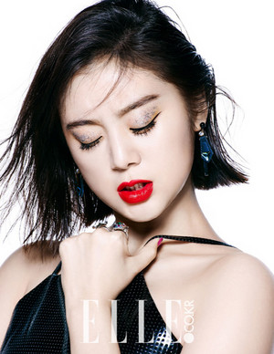 "Hyelim and Sunmi for ""Elle"""