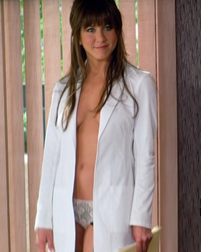 Jennifer Aniston wallpaper probably containing a well dressed person and a portrait called Jennifer Aniston as Dr Julia Harris Horrible Bosses warner bros. pictures e1382622513141