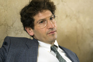 Jon Bernthal as Michael H. Sussman in ipakita Me A Hero