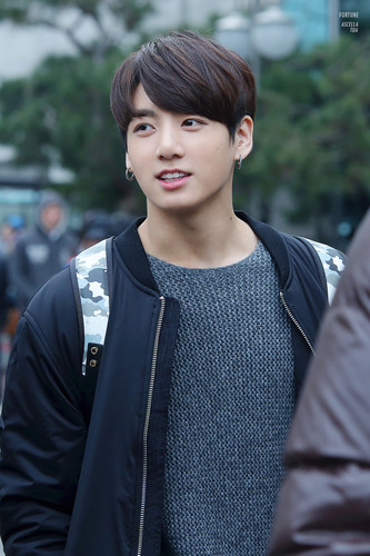 Jungkook (BTS) karatasi la kupamba ukuta probably containing an outerwear, a leisure wear, and a pullover called Jungkookie ♥