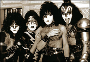kiss ~London, England…November 23, 1982 (Creatures of the Night tour)